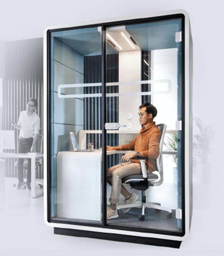 Praca w małym biurze – jak dostosować małą przestrzeń do pracy zespołu?