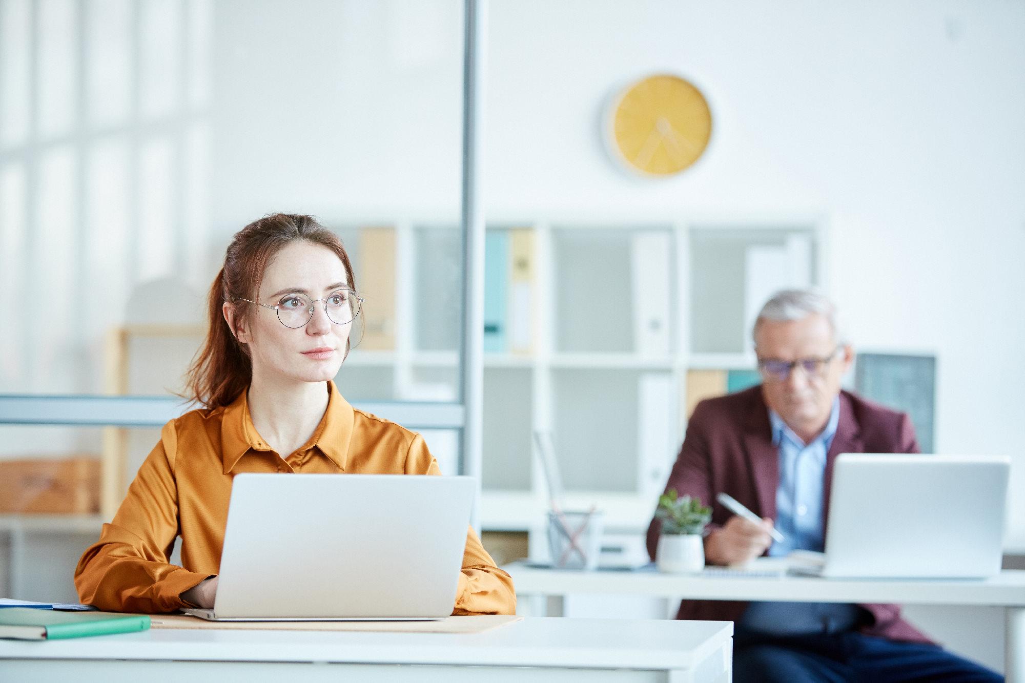 Jak wybrać najlepszy internet do biura?